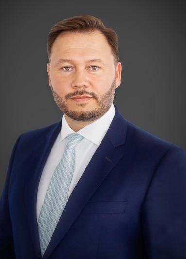 Mehdi Patrick Riahy.