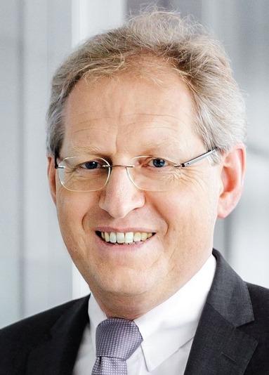 Klaus Schmitt.