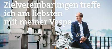 Matthias Reuner und seine Vespa sind als Motiv Teil der Kampagne.