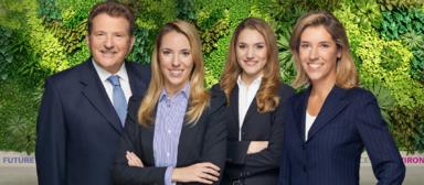 Eberhard Sasse zieht sich aus dem Vorstand des Familienunternehmens zurück. Die Töchter Laura (2.v.l.) und Clara Sasse rücken nach. Mit ihrer Mutter Christine Sasse (r.) und Katja Böhmer ist die Führungsebene komplett.