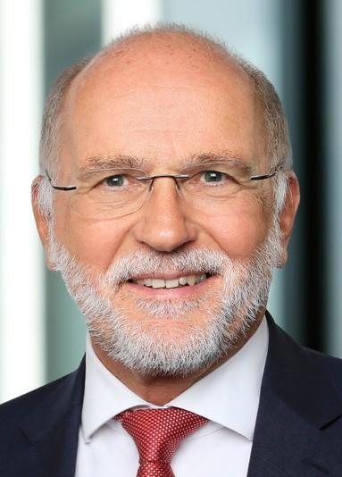 Bernhard Berg.