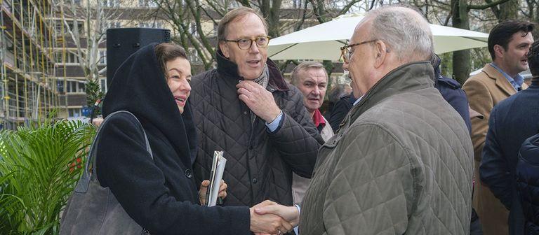 Henning Hausmann beendet seine berufliche Laufbahn und widmet sich seinen privaten Interessen.