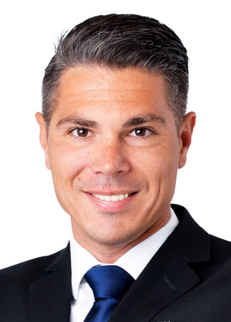 Julian Nasiri.