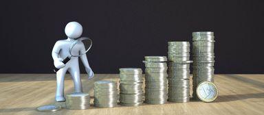 Mit der Zeit steigt in aller Regel das Gehalt. Das erste große Plus erwarten Berufseinsteiger nach zwei, drei Jahren.